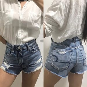 American Eagle distressed highwaisted jean shorts